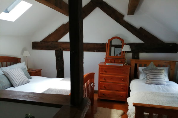 Twin bedroom in cottage